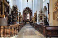 Gammal inre för stadSt John Baptist Cathedral i Torun, Polen Arkivbild