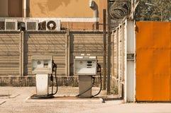 Gammal italiensk bränslepump - diesel- pump Arkivbild