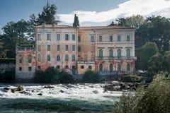 Gammal italiensk landhouse i bassano del grappa arkivfoton