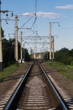 Gammal järnväg utanför staden Royaltyfria Bilder
