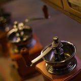 Gammal kaffegrinder Arkivfoto