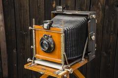 gammal kamera för stort format royaltyfria bilder
