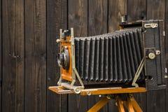 gammal kamera för stort format arkivbilder