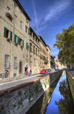 Gammal kanal i Lucca, Italien Royaltyfri Foto