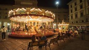 Gammal karusell med hästar i den Florence piazza Repubblica Royaltyfria Bilder