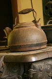 gammal kettle royaltyfri foto