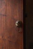 Gammal kinesisk dörrhandtag, kinesiskt begrepp arkivbilder