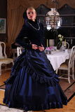 gammal klänning arkivfoto