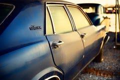 Gammal klassisk amerikansk bil Ford Maverick Royaltyfria Bilder