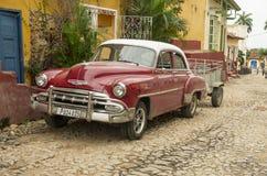 Gammal klassisk bil i Trinidad, Kuba Arkivbilder