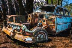 Gammal klassisk bil, skroten royaltyfri foto