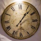 Gammal klocka för klockanklockatid Arkivfoton
