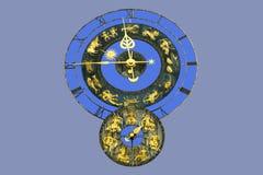 Gammal klocka med zodiaktecken Fotografering för Bildbyråer