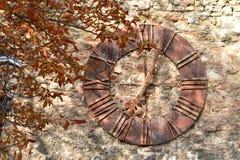 Gammal klocka som tas bort från den Zagreb domkyrkan, Kroatien Royaltyfri Bild