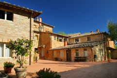 Gammal kloster i Tuscany Fotografering för Bildbyråer