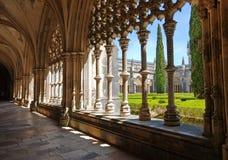 Gammal kloster och trädgård, Batalha, Portugal Royaltyfri Fotografi