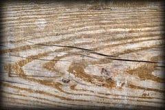 Gammal knuten Wood textur för Vignetted Grungebakgrund Royaltyfri Fotografi