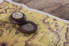 gammal kompassöversikt Arkivfoto