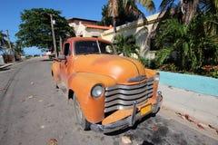 Gammal kubansk bil arkivfoton