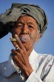 Gammal kvinna i Mandalay Arkivfoto