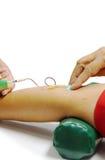 Gammal kvinna som ger bloddonation Royaltyfria Foton