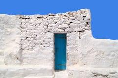 Gammal kyrka av Panagia Paraportiani på den Mykonos ön Royaltyfri Foto