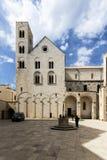 Gammal kyrka i Bitonto Italien Arkivfoto
