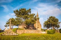Gammal kyrka i Bretagne, Frankrike Arkivbild