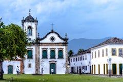 Gammal kyrka i den koloniala staden av Paraty, Rio de Janeiro, Brasilien Arkivfoton