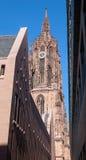 Gammal kyrka i Frankfurt Arkivbilder