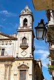 Gammal kyrka i gammal havannacigarr Arkivfoton
