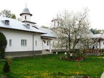Gammal kyrka i Rumänien 1 Arkivfoto