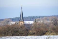 Gammal kyrka i Sachsen-Anhalt germany Arkivbilder