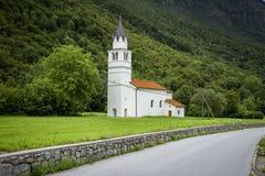 Gammal kyrka i Slovenien Arkivbild