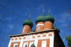 Gammal kyrka i Yaroslavl (Ryssland) Fotografering för Bildbyråer