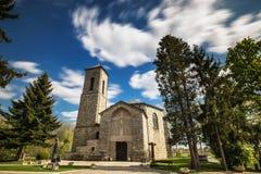 Gammal kyrka som göras från stenar royaltyfri foto