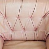 Gammal lädertextur av soffan Arkivfoton