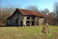 gammal ladugård fotografering för bildbyråer