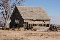 gammal ladugård Arkivbild