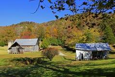 Gammal ladugård nära Hendersonville NC arkivbild