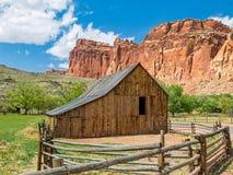 Gammal ladugård på Fruita, Utah Arkivfoto