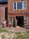 gammal ladugårdbyggnad Arkivfoto