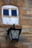 Gammal lampa på stationen Royaltyfri Fotografi