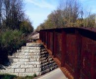 Gammal lantlig bro arkivbild