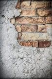 Gammal lantlig murbruk- och tegelstenvägg Royaltyfria Foton