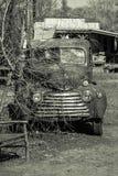 Gammal lastbil, övergiven amerikansk tillverkning royaltyfria bilder