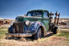 gammal lastbil Arkivbilder
