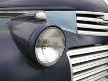 gammal lastbil för billykta Royaltyfri Bild