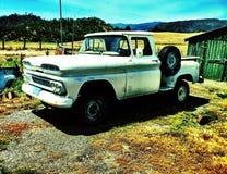 gammal lastbil för lantgård Royaltyfri Bild