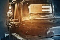 Gammal lastbil för tappning Royaltyfri Fotografi